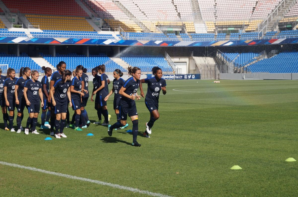 Football féminin à Montpellier  les Bleues contre lesBelges