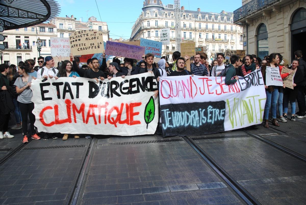 retour en images de la marche pour le climat desétudiants.